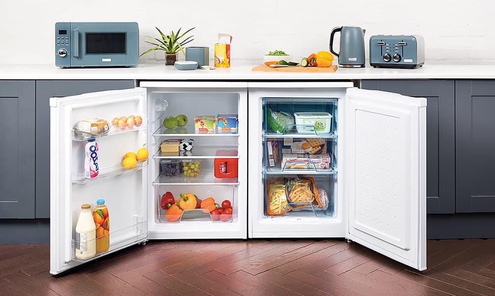 Congelador pequeño integrado perfectamente bajo la encimera