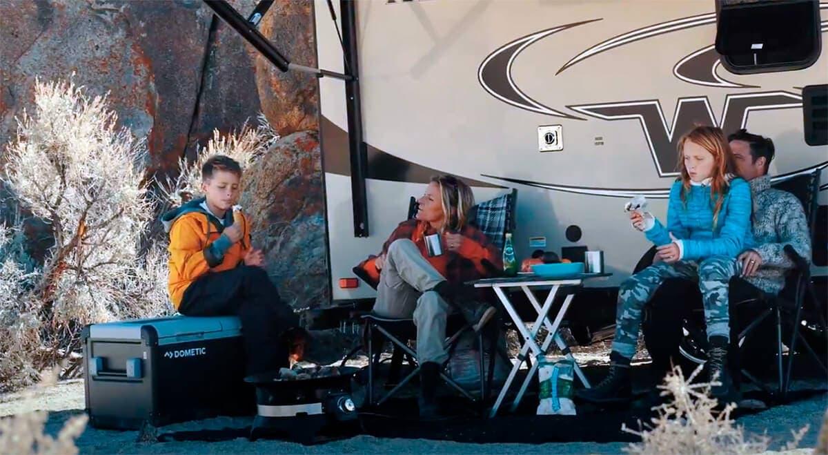 Congelador portátil que puede llegar a ser muy útil cuando se necesita en el coche, en la furgoneta, en el camión, de acampada...